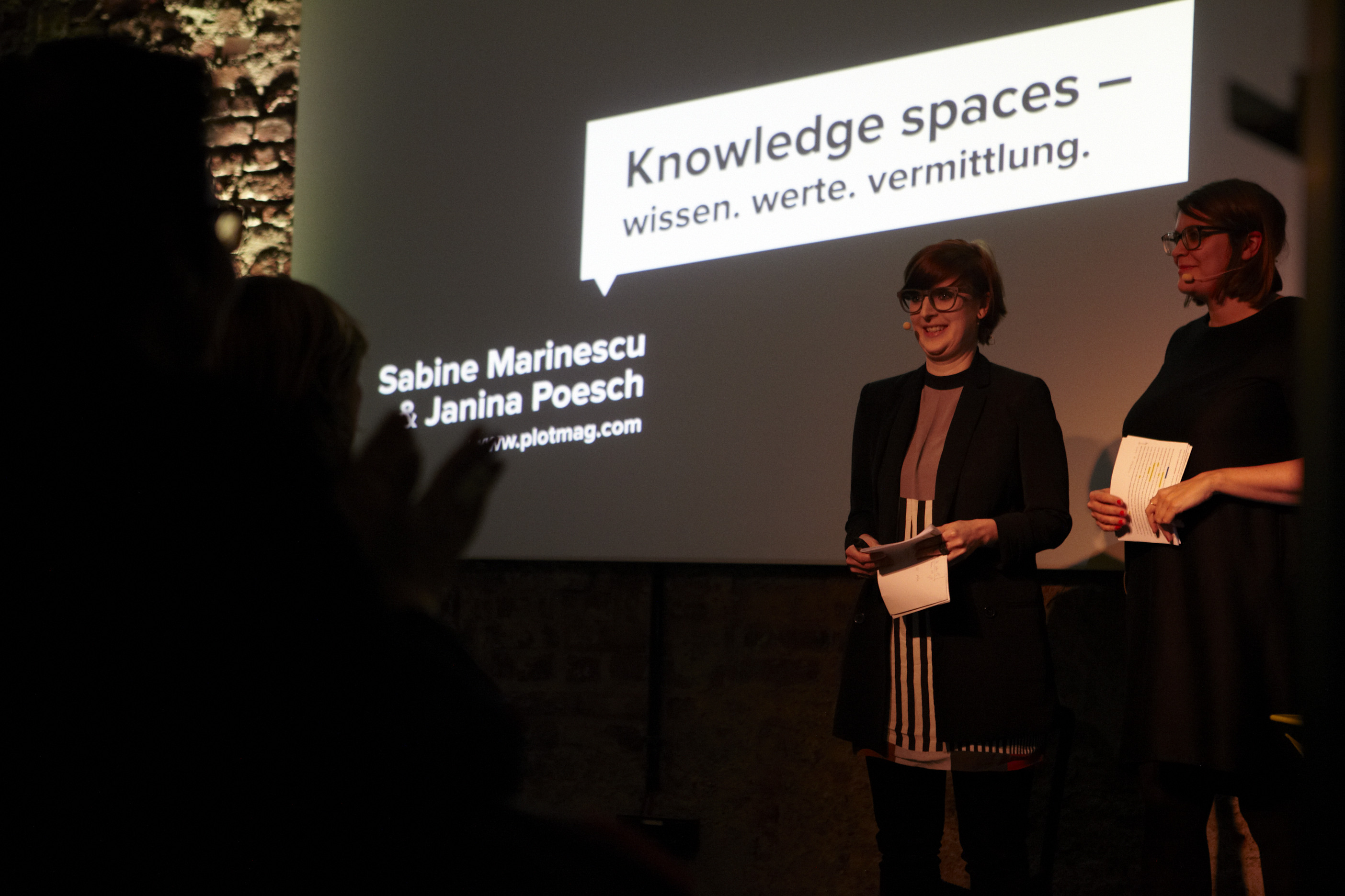 photo salon D knowledge landscapes lecture woman