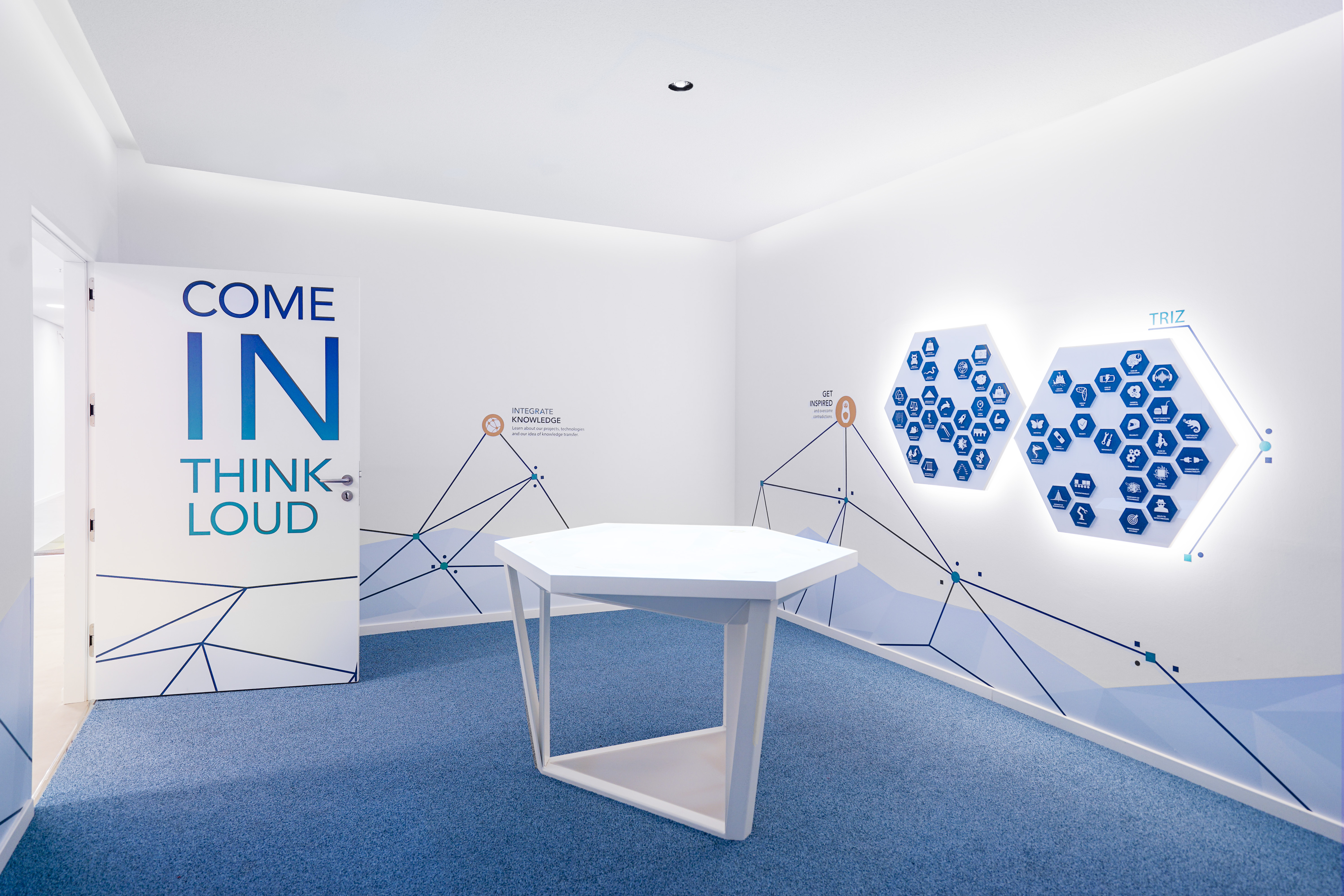TEVA Showroom with Innodesk: an interactive table for collaborative work