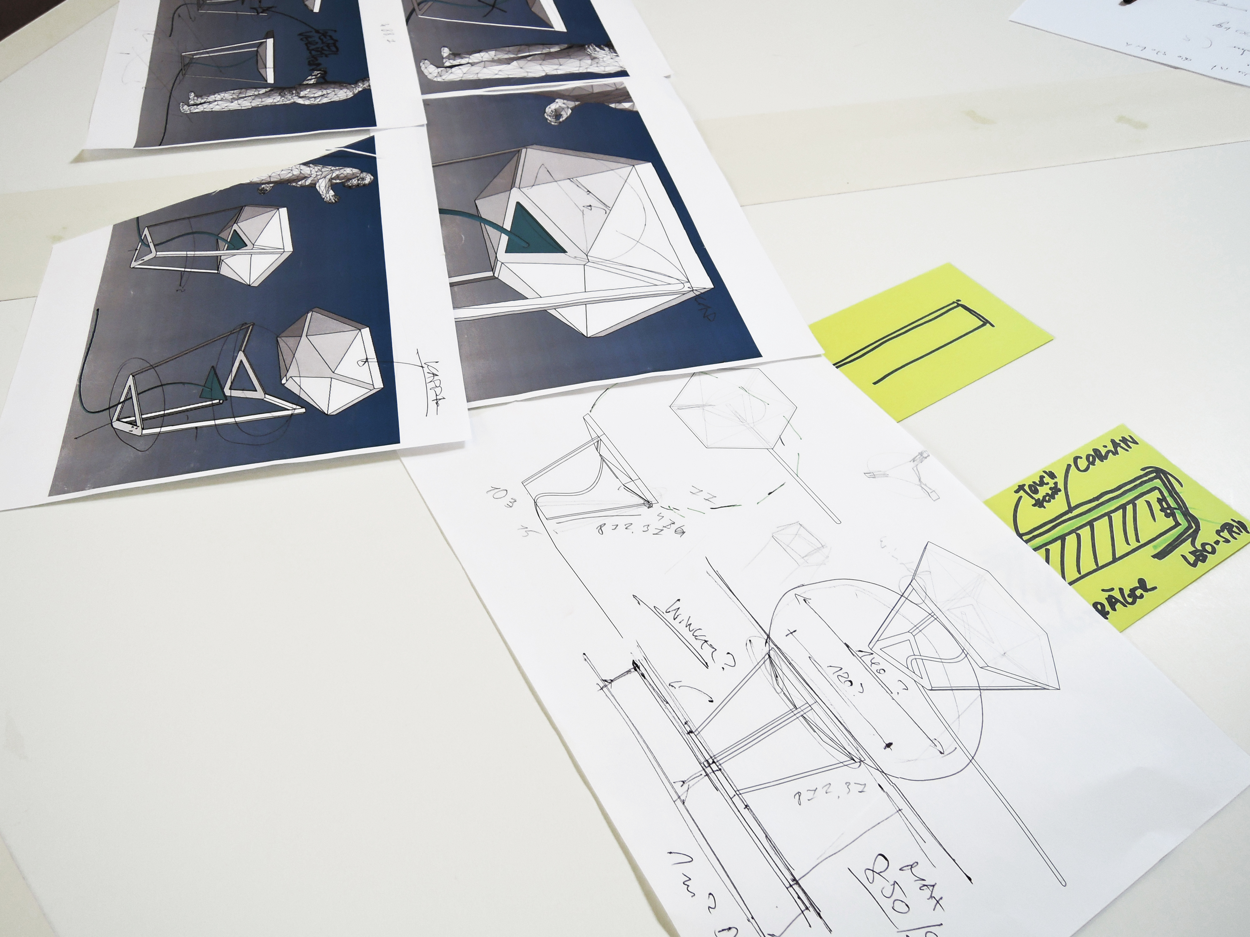 Sketches and technical drawings for the Innodesk