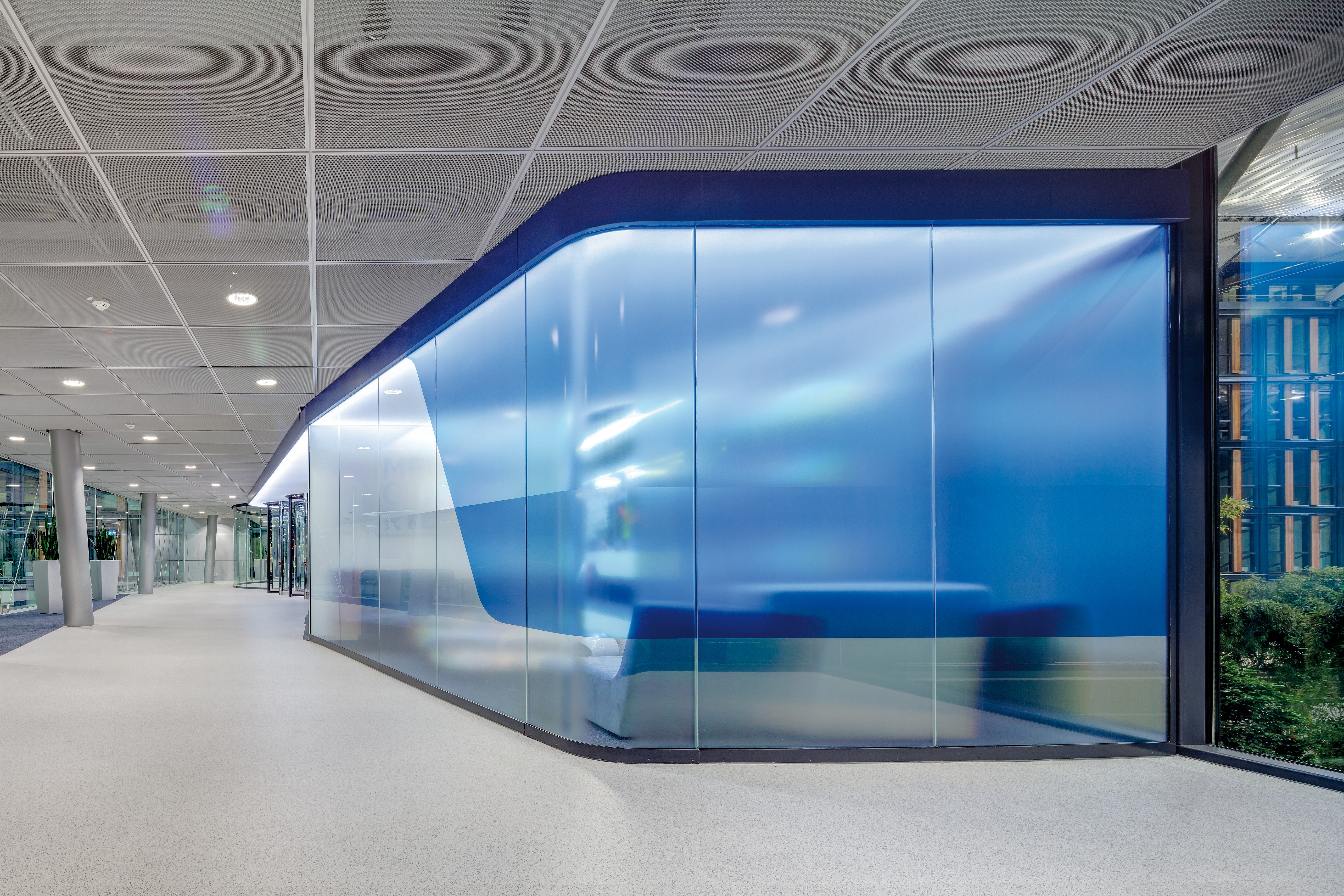 Photo Media Group RTL Foyer Glass walls